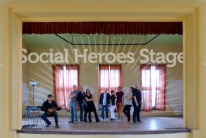 Improbanden Social Heros Stage