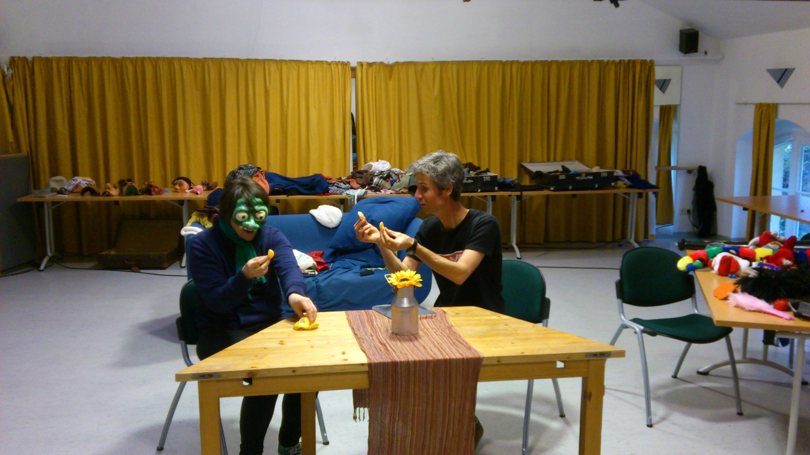 Maskenworkshop bei der 11. Impronale in Halle